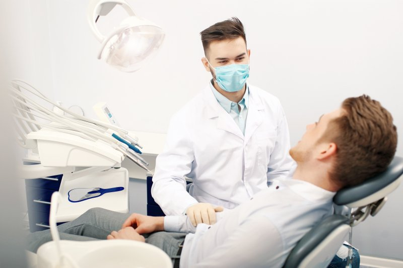 Patient asking dentist if gums grow back